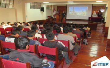 Seminario de Grúa se desarrolló en auditorio de la UNSA
